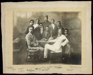 Patrick Geddes and class of 1919, University of Bombay Department of Sociology and Civics (Ref: Coll-1869/11)
